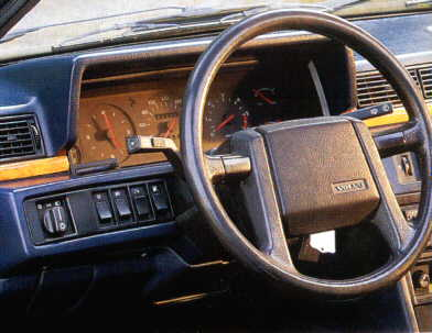 Dashboard Volvo 780